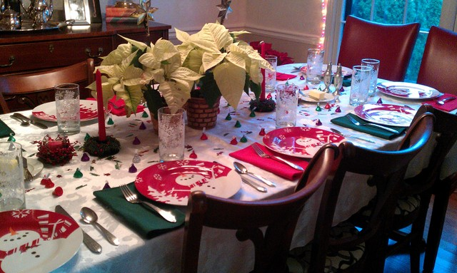 xmas table with white poinsettias