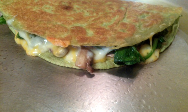 quesadilla with spinach and mushrooms