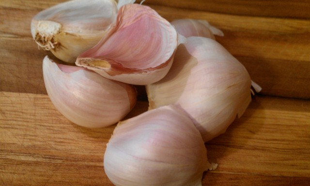 stack of garlic