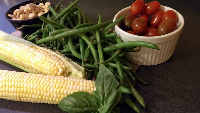 greds corn, tomato, green bean salad
