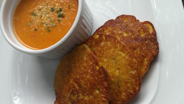 tomato pepper soup with corn cakes