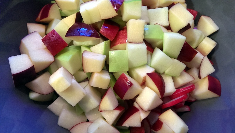 add apples to the bowl